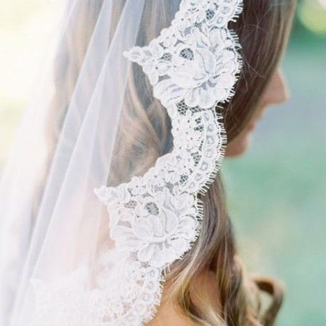 Veil edged with lace