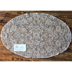 Large oval doily - Lyon Lace