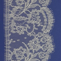 Astrid 14 cm - French Leavers Lace
