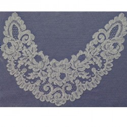 Lyon lace collar